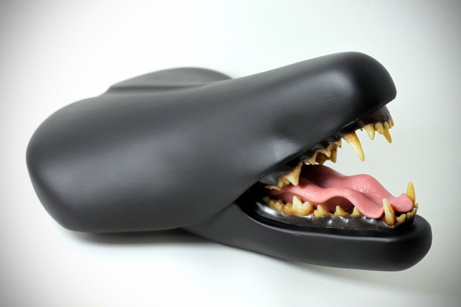 taxidermy-bike-saddle-by-clem-chen-bite-it